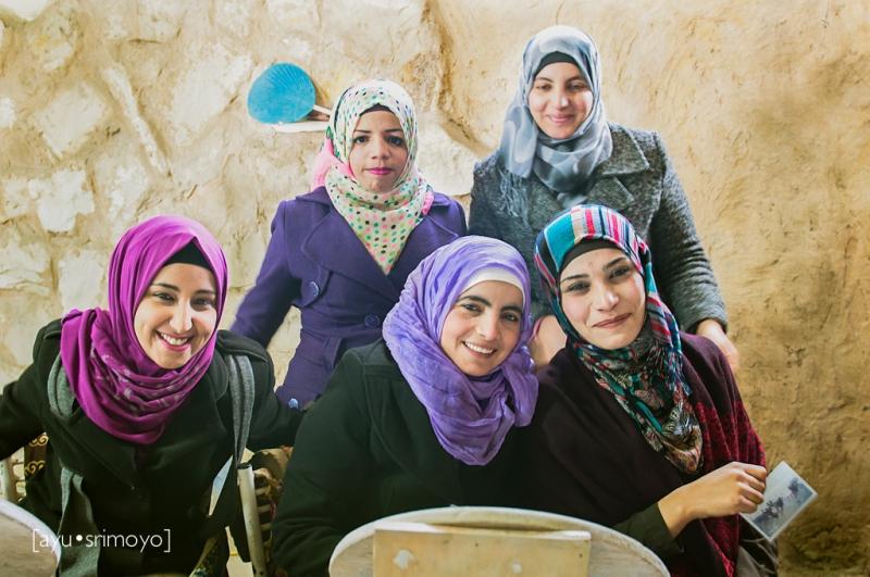 Jordanian Women at handicraft work